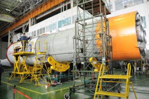 Připojování aerodynamického krytu s Progressem MS-04 k hornímu stupni Block I
