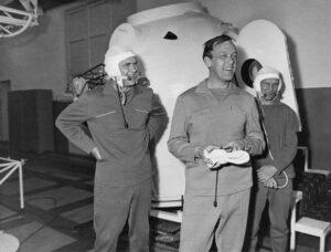 Posádka Sojuzu-10: (zleva) Šatalov, Jelisejev, Rukavišnikov