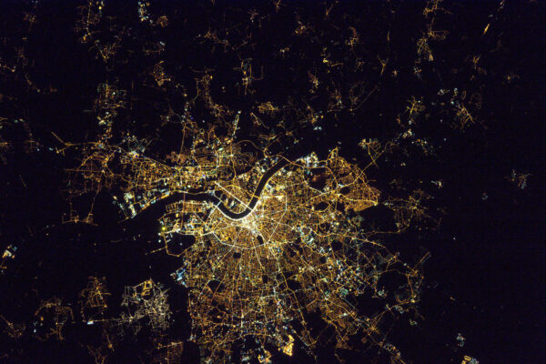 Znovu Tě zdravím, Bordeaux. V noci jsi stejně krásné jako během dne.