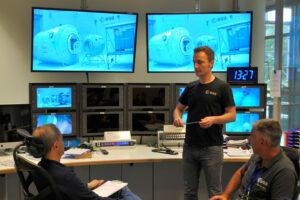 Matthias Maurer při práci v Evropském středisku astronautů.
