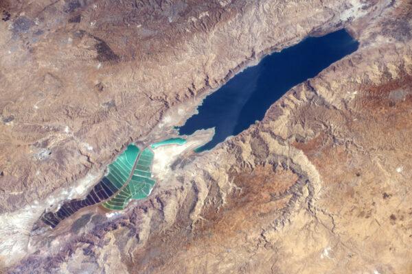 Mrtvé moře - nejnižší bod na Zemi, který ale rozhodně není nejméně krásný.
