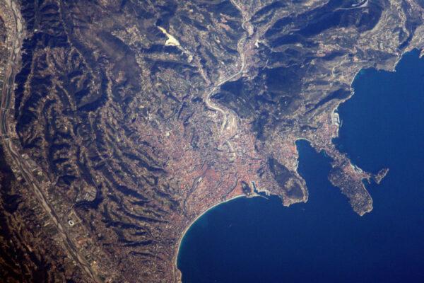 Město Nice. Strávil jsem zde nemálo dobrých chvil: středomořské klima, místní pokrmy a místní melodický přízvuk!