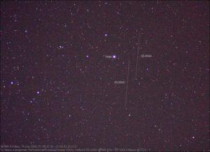 Stopa dvou družic NOSS, jak ji vyfotil Marco Langbroek