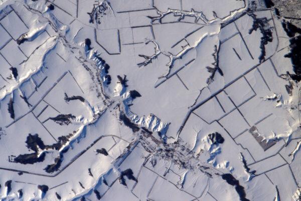 Zasněžená krajina mi občas připomíná pohled do mikroskopu během lekcí biologie během výcviku ESA Caves.