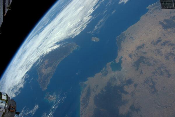 Austrálie a Tasmánie. Vidíme i Melbourne u Bassova průlivu.