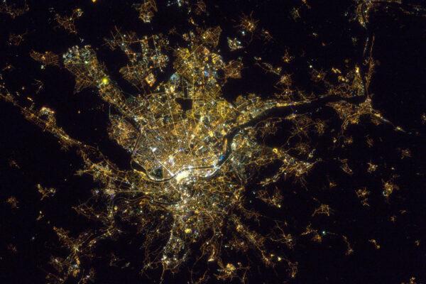 Když se tu konal Festival světla, tak jsem to zrovna minul, ale teď už najdu Lyon při každém přeletu.