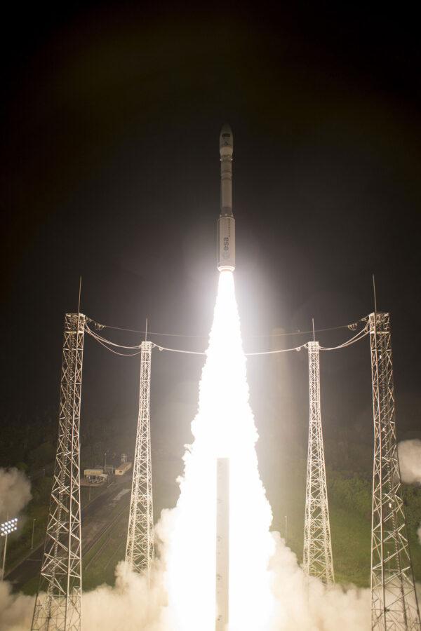 Start rakety Vega stojí zhruba 34 milionů euro. Družice Sentinel 2B stála zhruba 105 milionů euro.