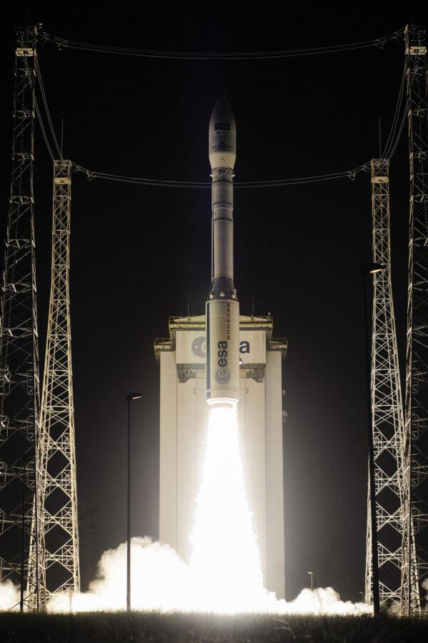 Vega doslova vystřelila z rampy - má totiž vůči svému tahu jen malou hmotnost.