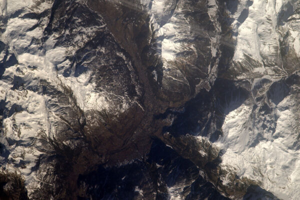 Není žádný důvod, proč bych nemohl vyhledávat místa, která mám rád a zvláště takováhle … kde moc rád lyžuju. Údolí Serre-Chevalier, které se táhne od Col du Lautaret k Brianconu.