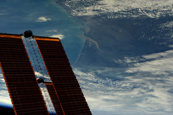 Azory střežící Biskajský záliv. Před námi je slunečný den. Občas mě baví předstírat, že jsem meteorolog.