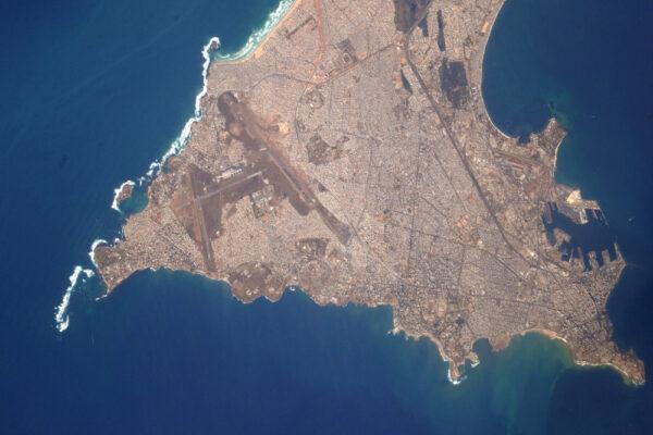 (1/2) Velice detailní snímek senegalského Dakaru, jednoho z nejdynamičtějších měst v Africe!