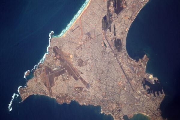 (2/2) Velice detailní snímek senegalského Dakaru, jednoho z nejdynamičtějších měst v Africe!