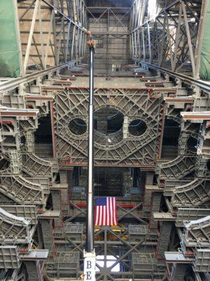 Plošiny uvnitř VAB, spodní pohled, 17. února
