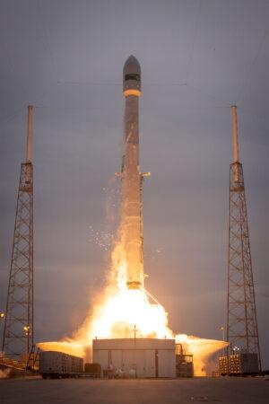 27. dubna 2015 - Falcon 9 vynáší družici TurkmenAlem52E - jde o zatím poslední start, při kterém neproběhl vůbec žádný pokus o přistání prvního stupně.