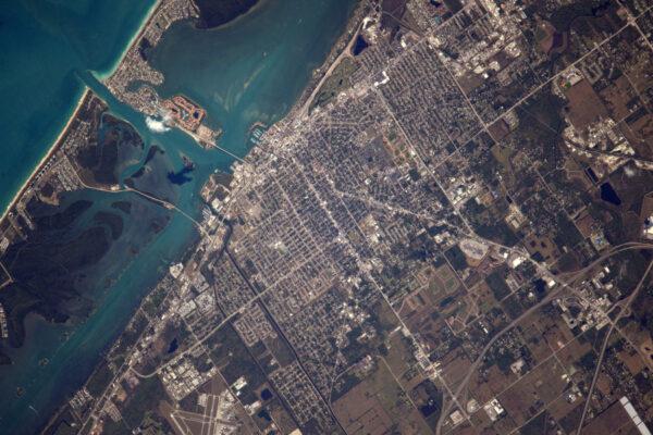 Shane Kimbrough byl náš specialista na fotky Spojených států... pokusím se zaplnit mezeru, než to převezme Jack Fisher! Toto je Florida.