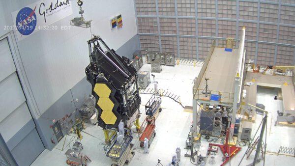 Základní konstrukce JWST se pomalu připravuje na cestu z Goddardova střediska na Johnsonovo středisko, kde podstoupí zkoušky.