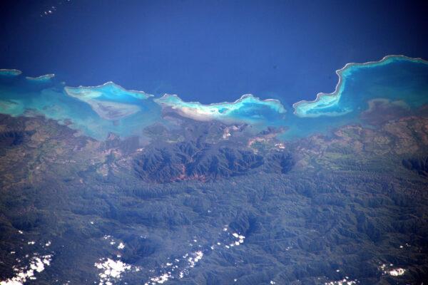 (3/3) Pobřeží Nové Kaledonie.