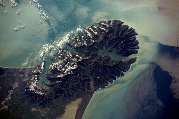 Poloostrov Banks se svým typickým tvarem. V těchto oblastech je mnoho outdoorové zábavy.