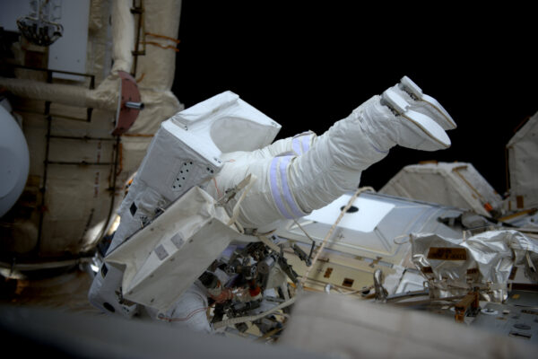 (2/2) Tyhle boty jsou vyrobeny pro vesmírné vycházky ;)