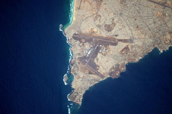 Pro mou kolekci letiště z vesmíru, kategorie Afrika, vám představuji Dakar! Mezinárodní letiště Lépold Sédar Senghor (DKR/GOOY)