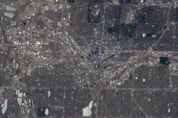 Americká města jsou obrovská a velmi pravidelná: Denver není výjimkou. Mrakodrapy, baseballový stadion a kolmé ulice – tak poznáte, že jste v USA! ;)