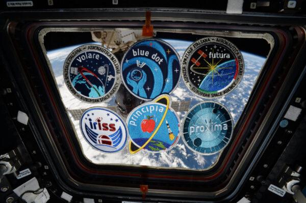 Nyní už všichni členové výběru astronautů roku 2009 letěli do vesmíru: zde jsou nášivky s logy jejich misí. Každý z nás dal trochu sebe a svých návrhů do názvů misí, z čehož vznikla skvělá sbírka. Až budu opouštět stanici, všechny tyto nášivky nechám společně v modulu Columbus.