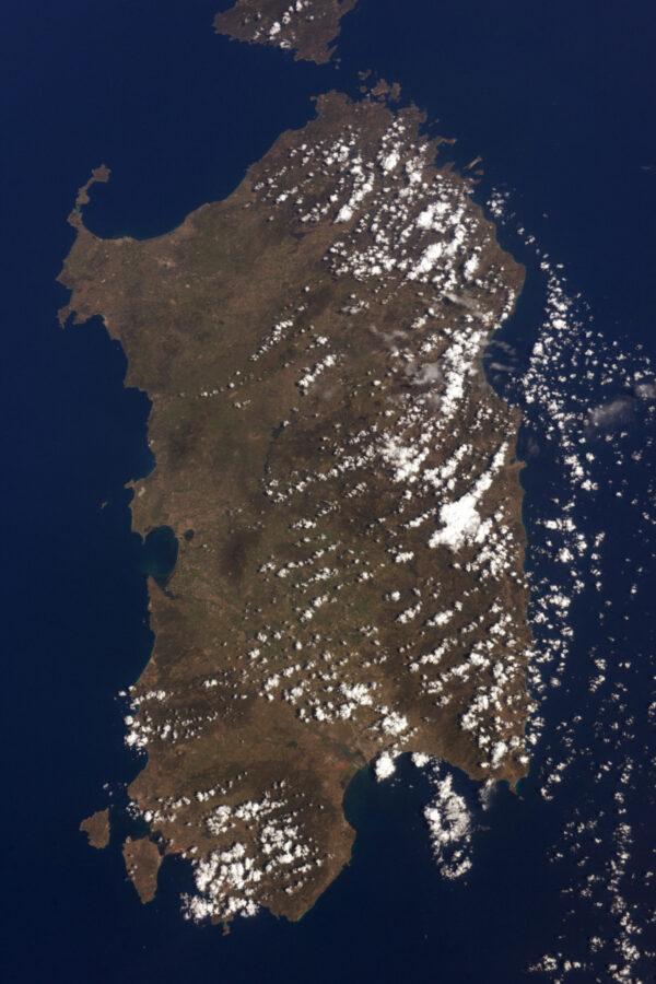 ESA mě na Sardinii vyslala dvakrát na výcvik - letní výcvik v přežití s mými kolegy astronauty a expedici CAVES společně s Timem Peakem, Kanai Norishigem, Randy Bresnik a Sergejem!