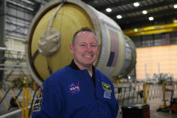 Barry Wilmore a letový stupeň ICPS pro let lodi Orion EM-1 k Měsíci