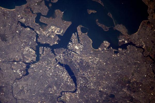 Zde máme Boston a jeho pobřeží. Mám rád 3D efekt mrakodrapů: pouze v Americe!