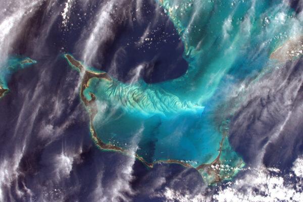 Konec mise Proxima se blíží. Zbývá méně než pět týdnů. Ještě tolik práce a tak málo času plně docenit modř Baham. Aktuální datum návratu je 2. června, ale jako všechno ostatní v kosmonautice může být změněno.