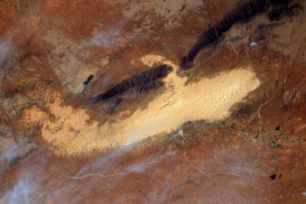 Písečné duny poblíž Merzouga v Maroku. Byl jsem tam s přáteli. Zdá se, jako by to bylo už velmi dávno.