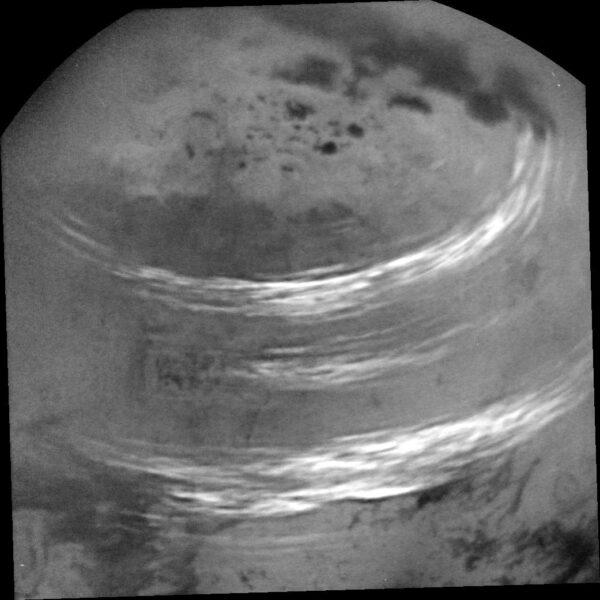 Titan a lineární oblaka
