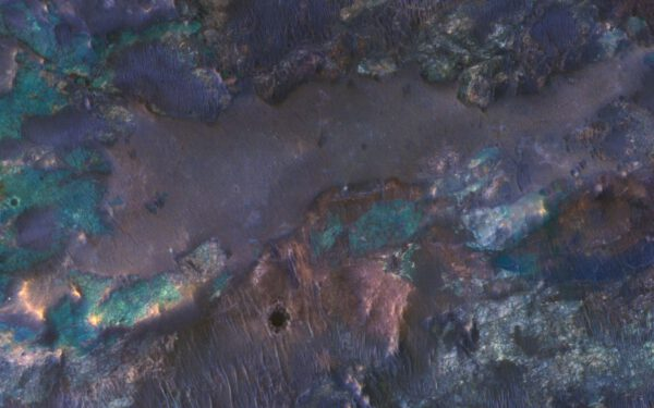 Kráter z MRO