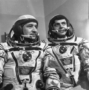 Posádka Sojuzu T-15: zkušení harcovníci (zleva) Kizim, Solovjov