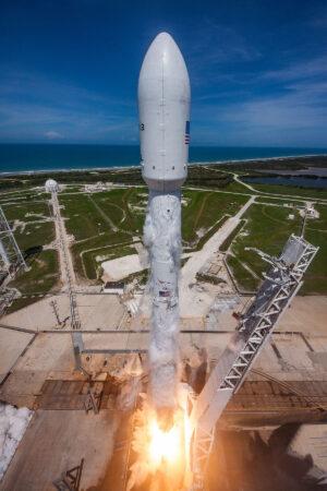 23. června startoval z rampy 39A Falcon 9 s družicí BulgariaSat-1