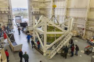 Návratová kabina Orionu určená pro strukturální zkoušky dorazila do sídla firmy Lockheed Martin u Denveru 27. dubna 2017.