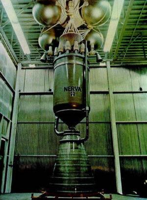 Atomový motor NERVA, který byl vyvíjen a úspěšně testován v NASA.