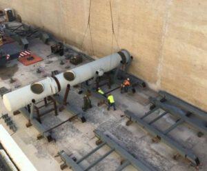 Potrubí rozvádějící vodu na rampě 39B