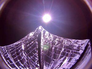Snímek z palubní kamery na LightSail A