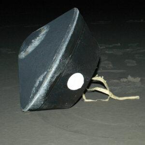 Návratové pouzdro sondy Stardust po přistání.