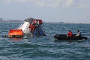 Zkouška opuštění lodi Orion v Mexickém zálivu.
