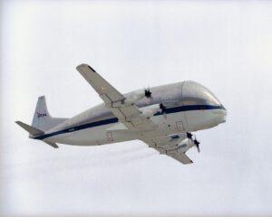 """Legendární letoun """"Super Guppy"""" stále slouží potřebám NASA."""
