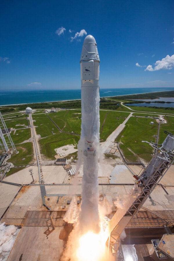 Jeden z nejlepších pohledů na startující raketu.