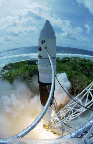 Falcon 1 startuje z atolu Kwajalein
