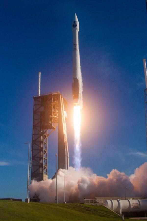 Start Atlasu 5 s TDRS-M