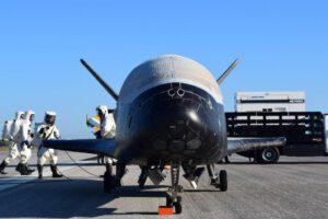 X-37B po návratu z mise OTV-4