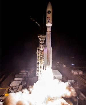 Atlas V startuje na misi NROL-42