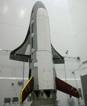 Miniraketoplán X-37B před svou první misí.