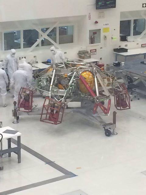 Sky crane pro Mars rover 2020