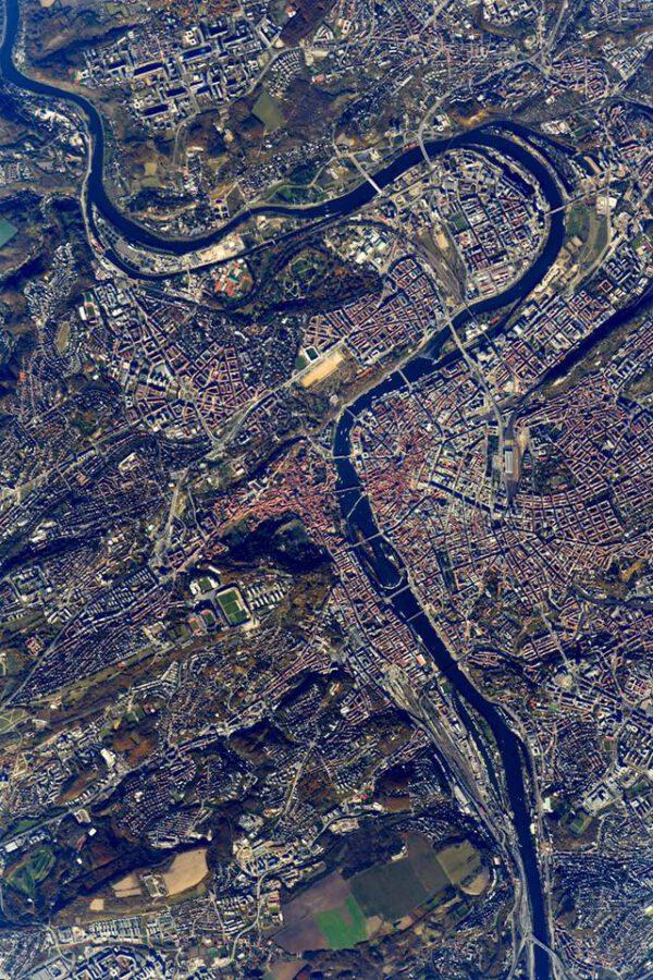 Praha při pohledu z ISS.
